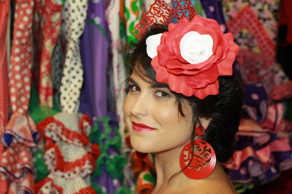 Como hacer recogido flamenca con flor en un lateral nº 4