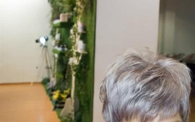 Como pasar de un cabello castaño medio a un Gris